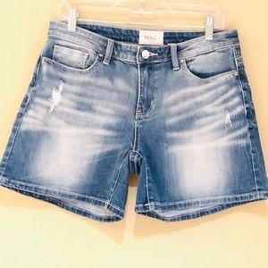 NWOT BKE Payton denim shorts